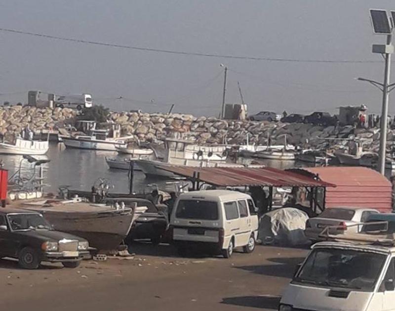 مأساة لاجئين...30 لاجئ سوري أنقذهم عناصر البحرية في الجيش من الغرق مقابل شاطىء عكار بعدما كانوا يحاولون مغادرة لبنان بطريقة غير شرعية