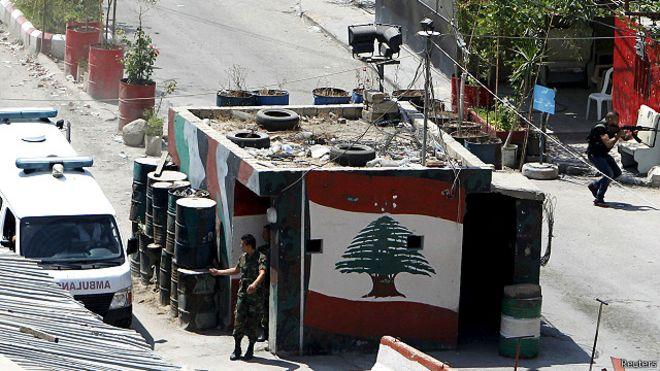 مخابرات الجيش توقف سليم العز نجل المطلبوب التابع لـ جند الشام في تعمير عين الحلوة