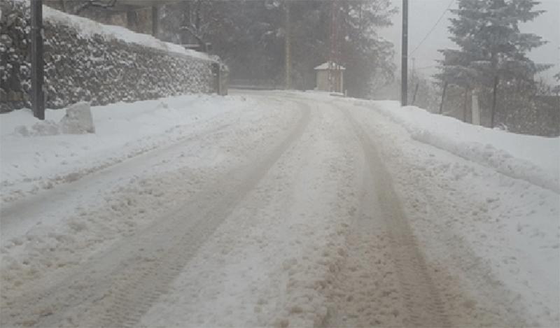 بالفيديو/ الثلوج تتساقط في بعلبك وتدنٍ في درجات الحرارة