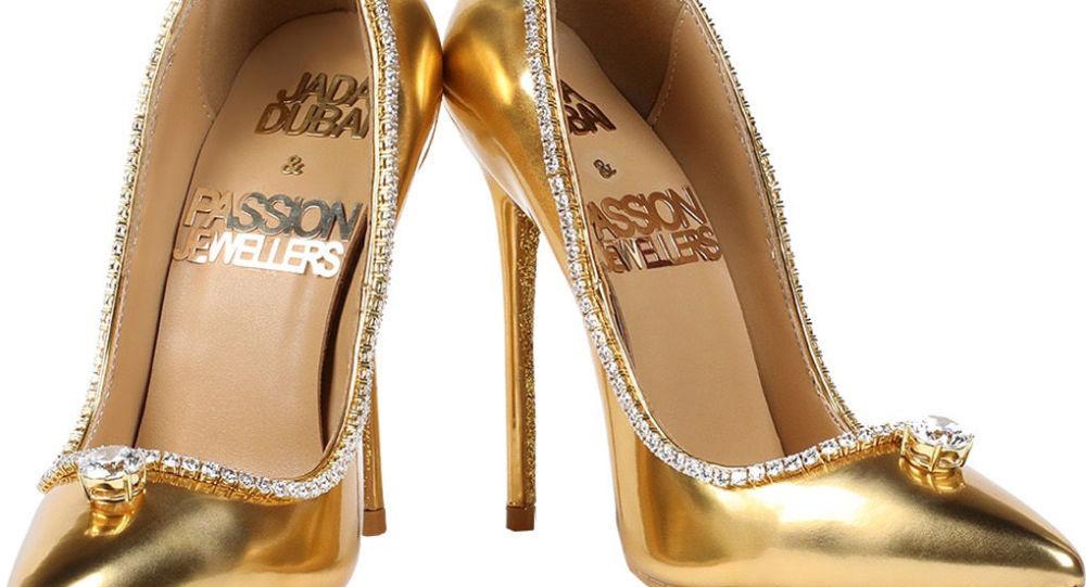 """بالفيديو/ """"من الذهب والألماس""""... أغلى حذاء في العالم قيمته 17 مليون دولار!"""