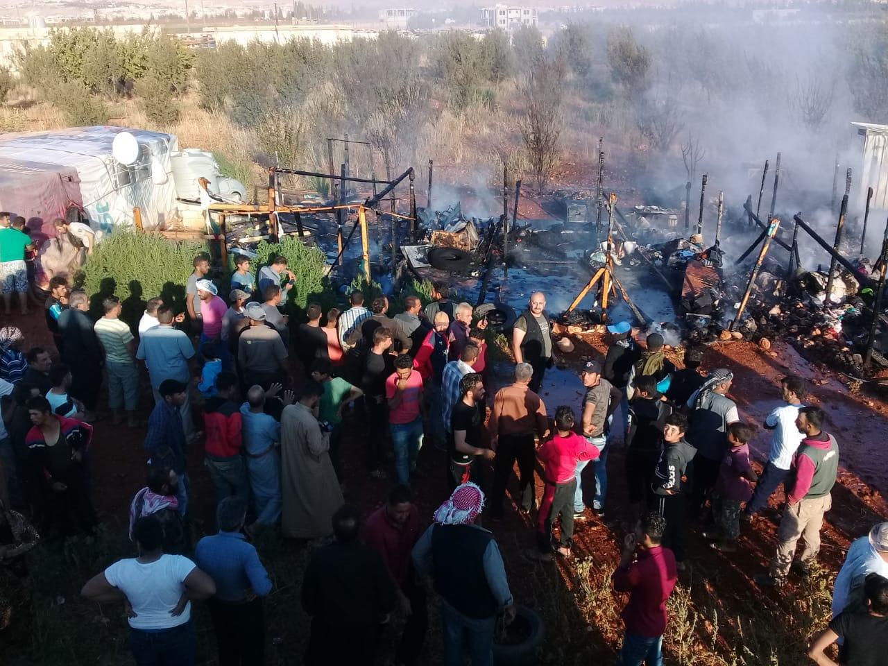 حريق التهم 4 خيم في مخيم للنازحين السوريين في سهل دورس