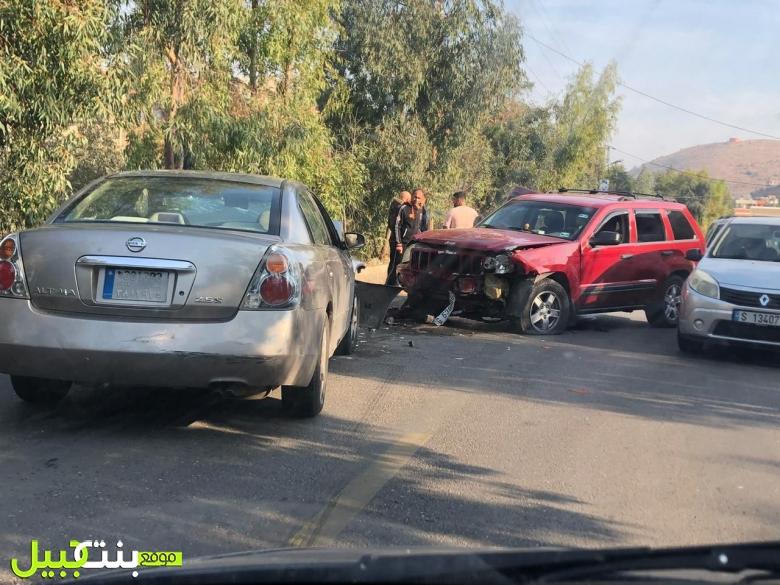 حادث سير على طريق عيترون بنت جبيل نتج عنه جريح عسكري أصيب بكسور
